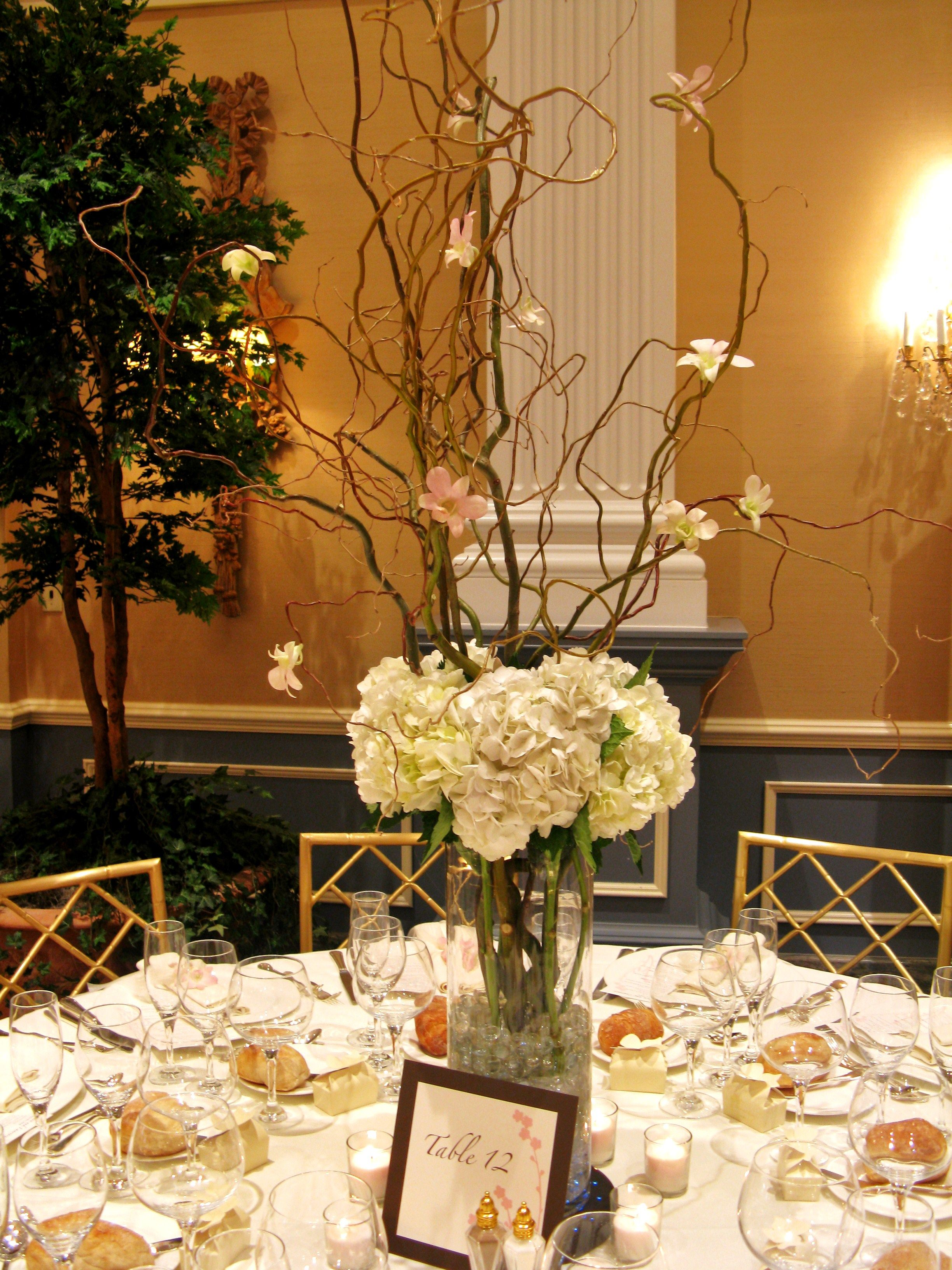 Pin By Flower Station On Center Pieces With Images Table