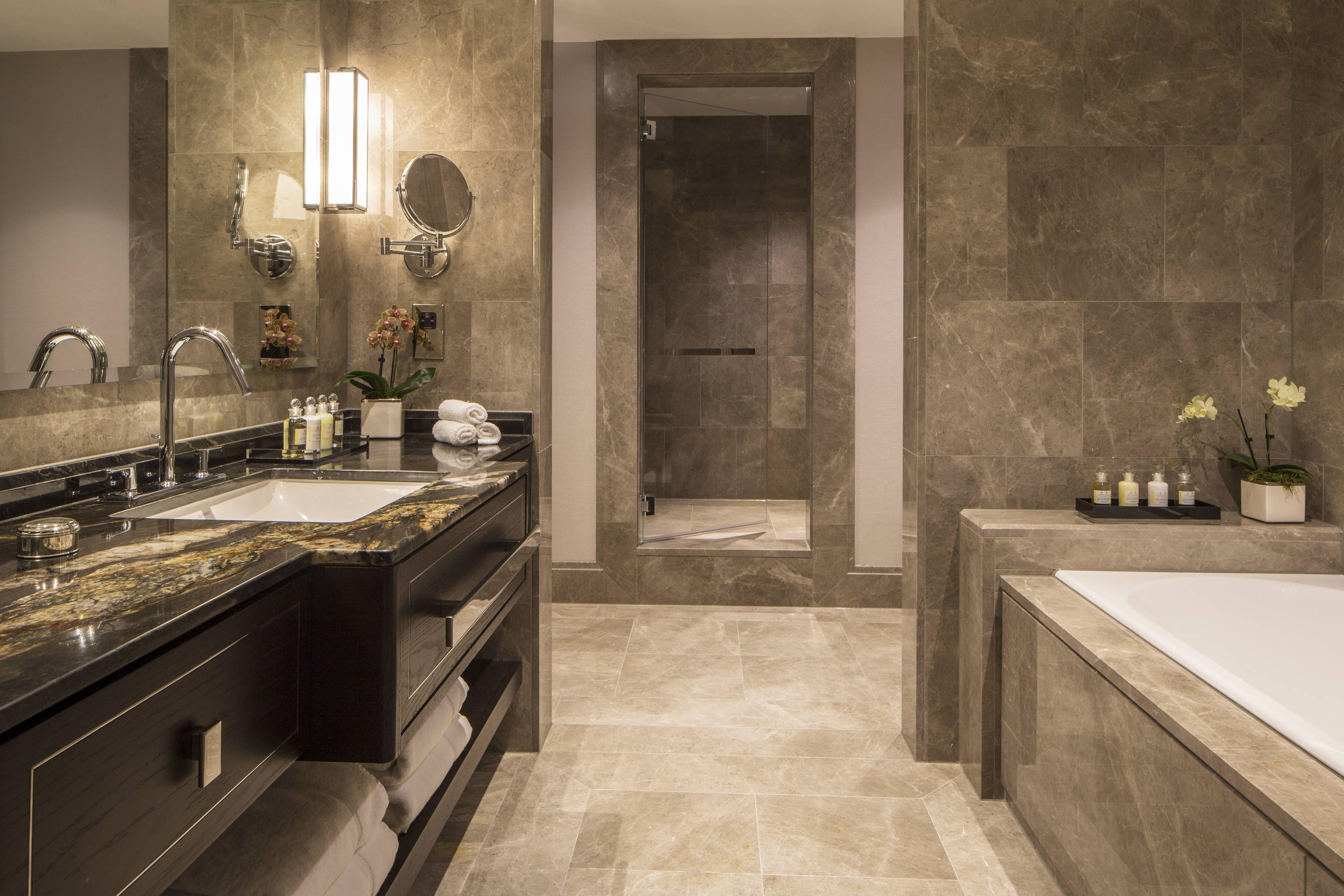 Grosvenor House A Jw Marriott Hotel Premium Executive Suite Bathroom Travel Guestroom Bathroom Design Small Bathroom Design Black Bathroom Remodel Master