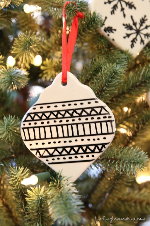 SharpieArtChristmasOrnament thumb Easy Sharpie Art Christmas Ornament