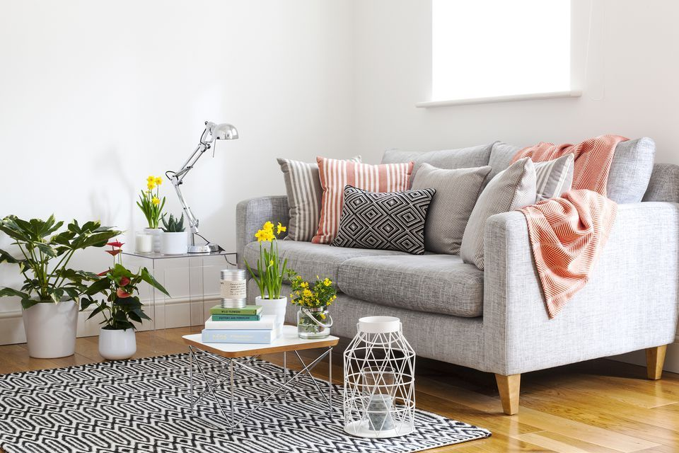 17 Beautiful Small Living Rooms That Work Creative Living Room