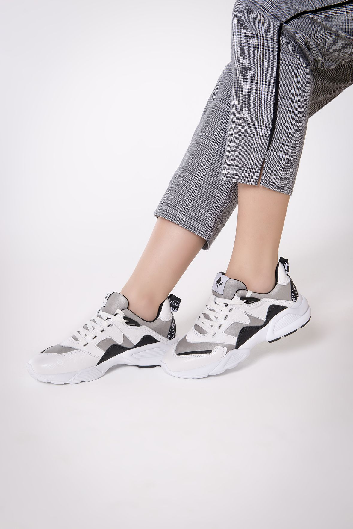 90b29683274 Tênis chunky shoes nas cores preto