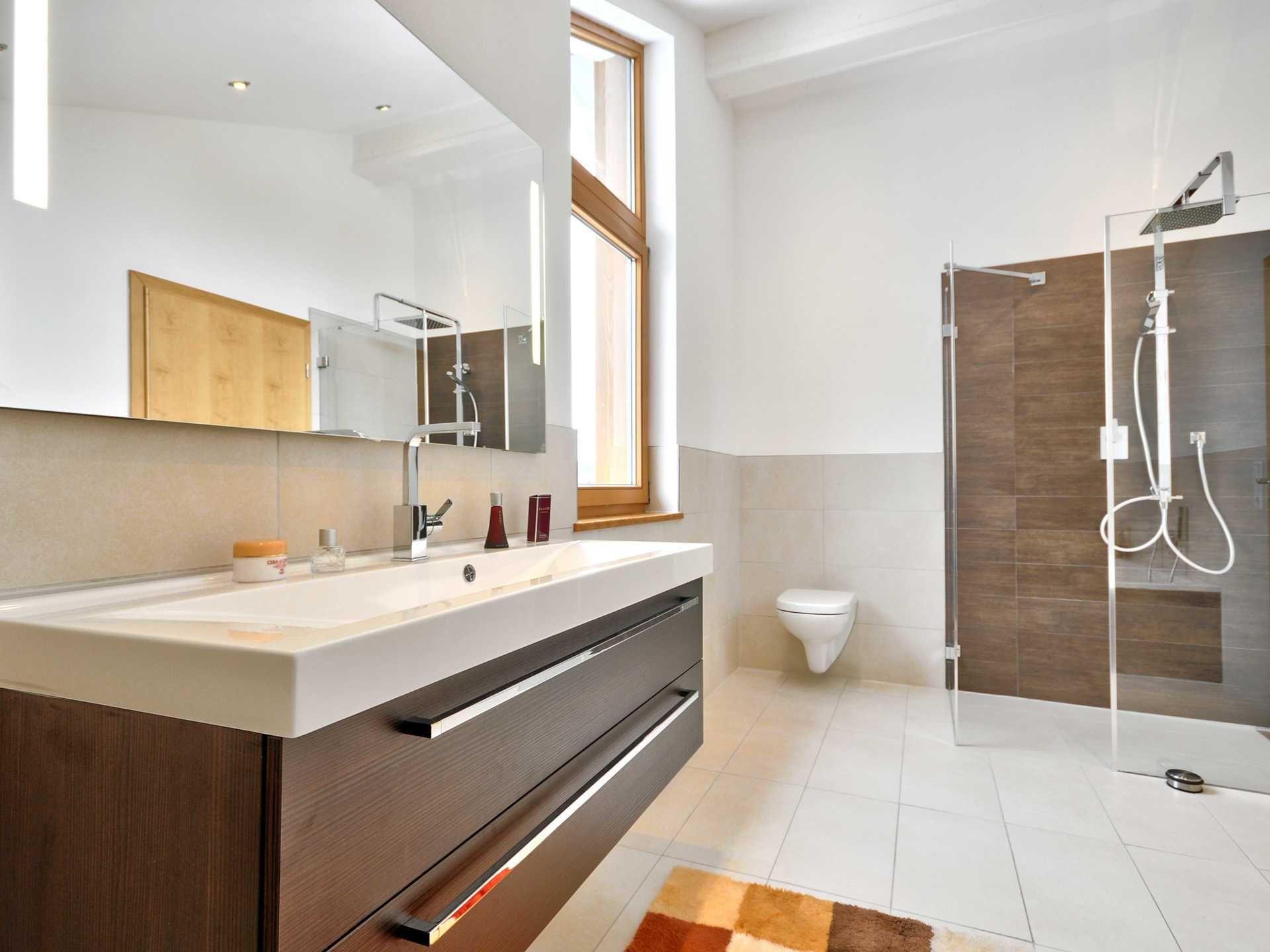 Poing Albert Haus In 2020 Musterhaus Badezimmer Und Haus