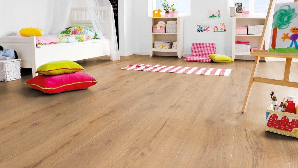 Kinderkamer houten vloer. Laminaatvloer Haro Gran Via - vloeren ideeën | UW-vloer.nl #laminaatvloer #vloer #kinderkamer