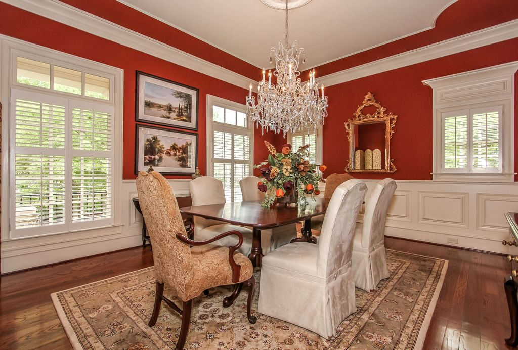 Red dining room - divine   Red dining room, Red walls ...