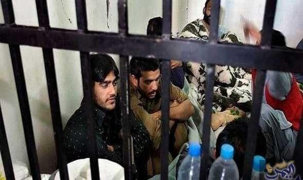 الاحتلال يقضي بالسجن على طفلين بتهمة Men Mens Sunglasses