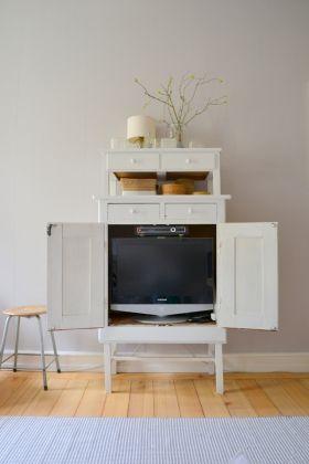 Pin Von Ala F Auf Sommer Fernsehschrank Tv Mobel Design Schrank