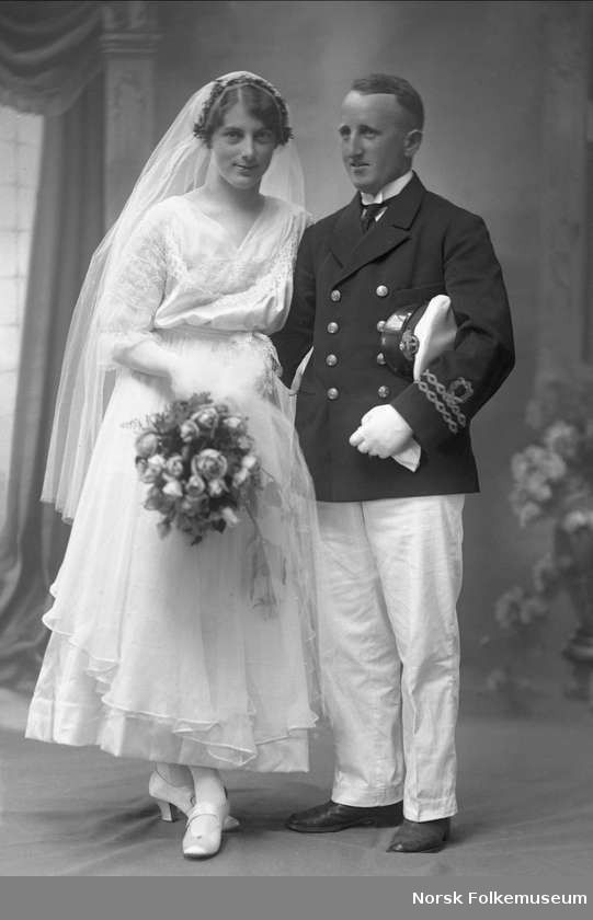 1916 bride and groom