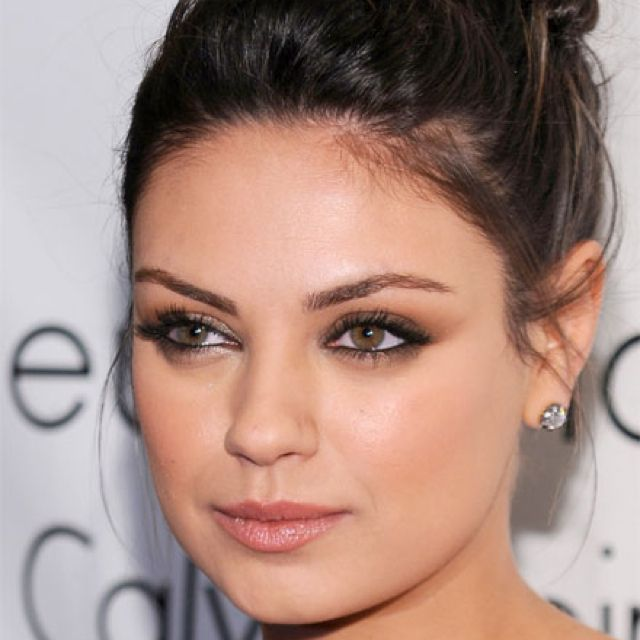 Smoky eyes and Neutral lips | My Style | Mila kunis makeup ...
