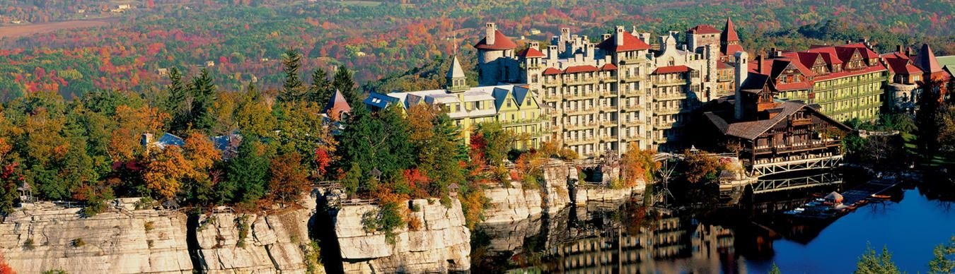 A Victorian Castle Built On Spectacular Cliffs Above The Deep Blue Waters Of Lake Mohonk In 1869 Our Grand 266 Room Hotel Pinteres