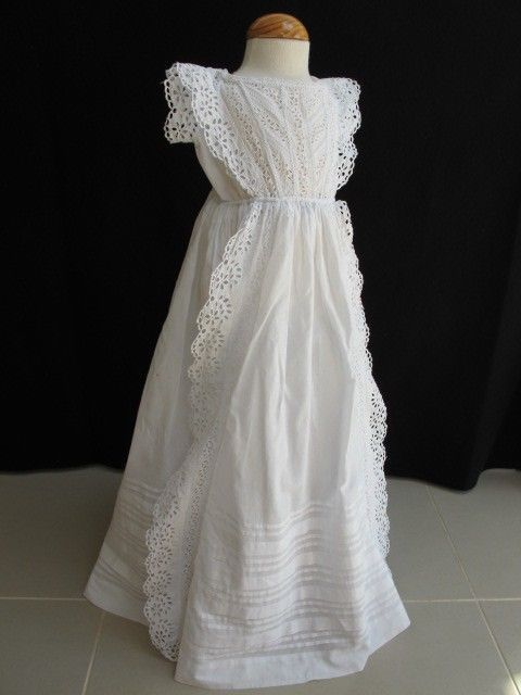 7be5ca14baf8 ANTIQUE VICTORIAN BRODERIE ANGLAISE WHITEWORK CHRISTENING GOWN DRESS ...