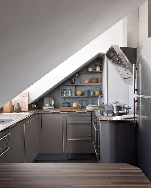 cuisine cach e dans un angle petite cuisine toutes nos id es d co attic attic ideas and. Black Bedroom Furniture Sets. Home Design Ideas