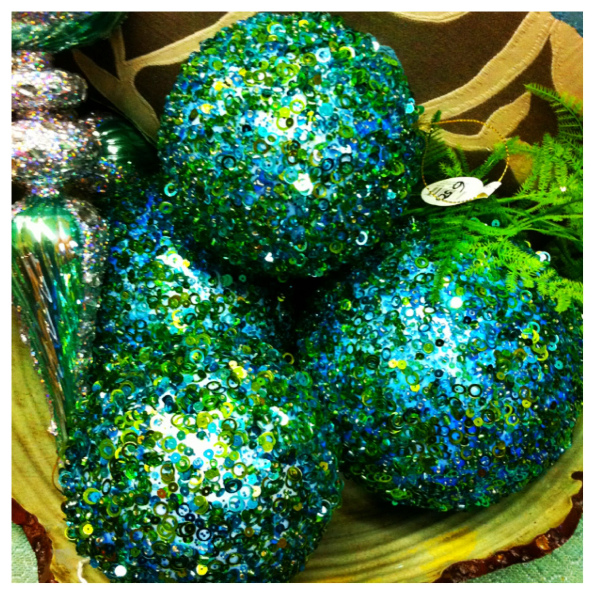 How To Decorate Polystyrene Balls Use Beads Glitter And Sequins To Decorate Styrofoam Balls As