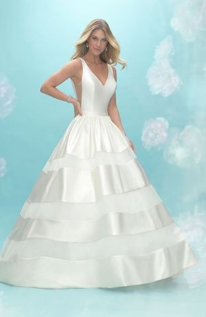 V-Neck Princess/Ball Gown Wedding Dress with Empire Waist in Tulle ...
