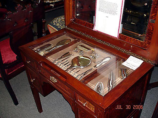 antique vanity tables - sterling silver brush sets Juegos y