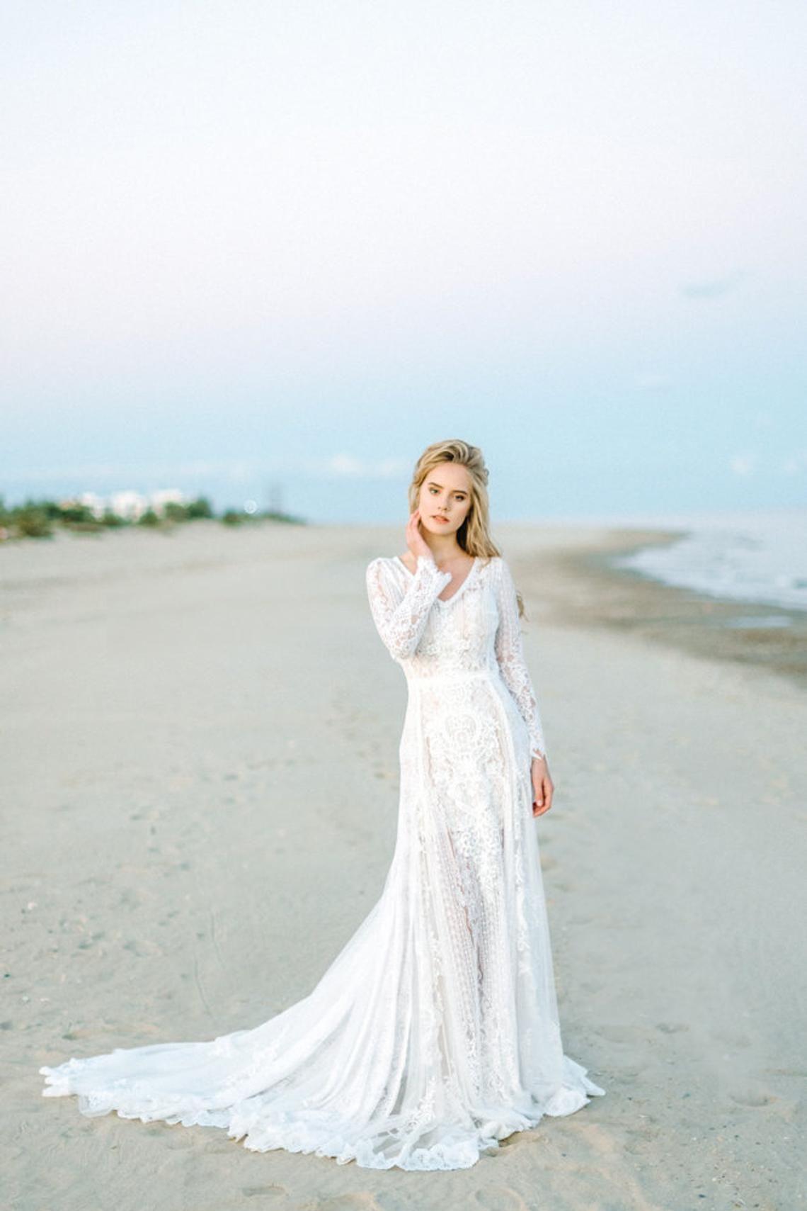 Amazing long sleeve bohemian wedding dress boho wedding