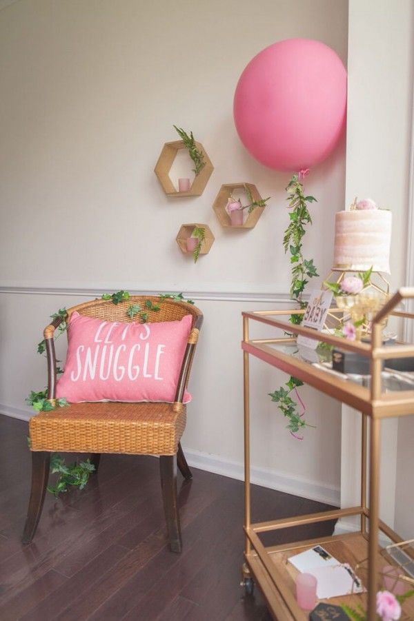 Whimsical-Geometric-Baby-Shower-Snuggle-Seating | Parties | Pinterest