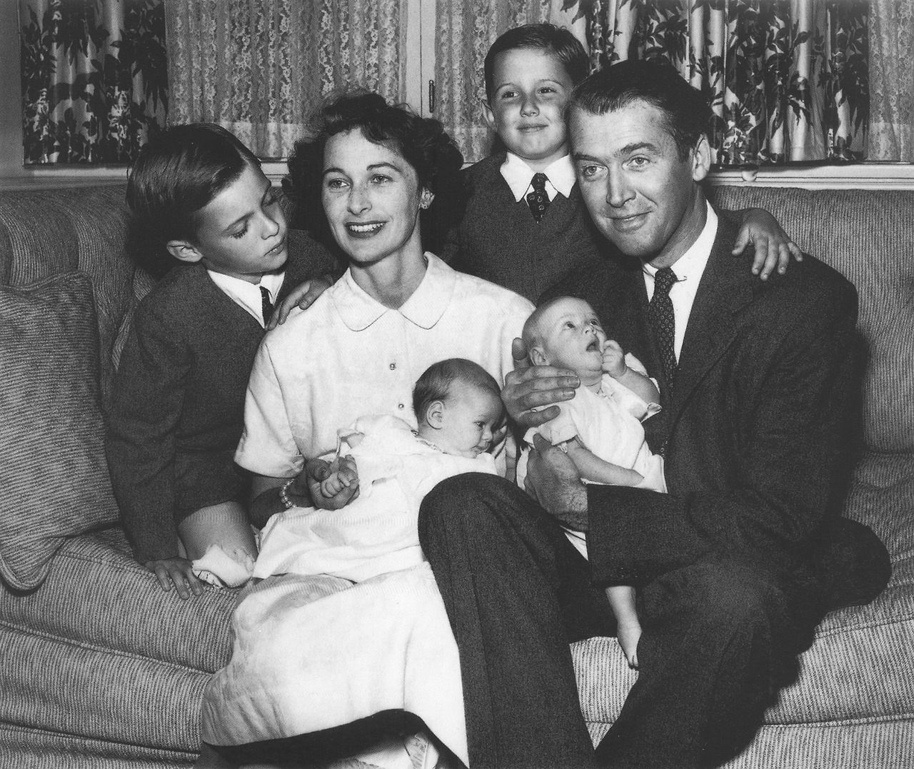 Jimmy Stewart with family, 1951 | Jimmy Stewart: 1950s ...