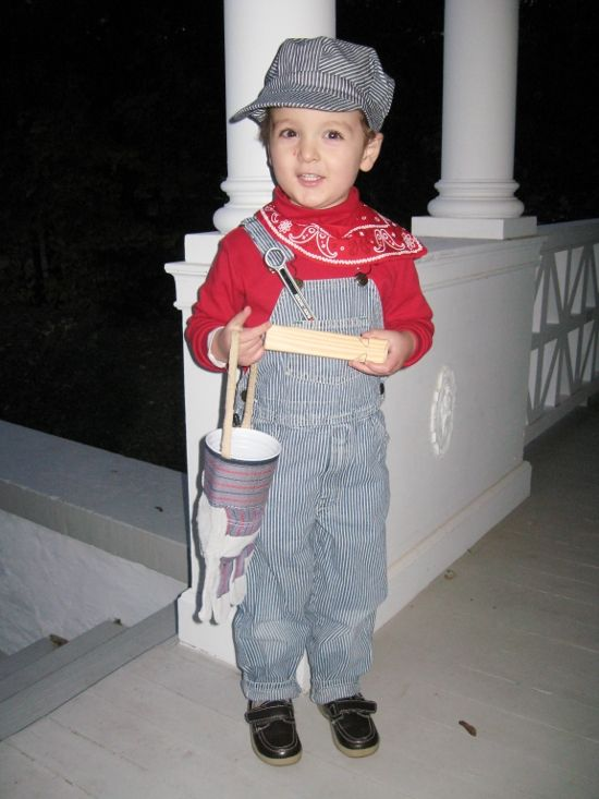 train conductor halloween costume toddlers | Halloween 2011 on a budget | JenSpends.com  sc 1 st  Pinterest & DIY Train Engineer Costume | Halloween costume toddler Toddler ...