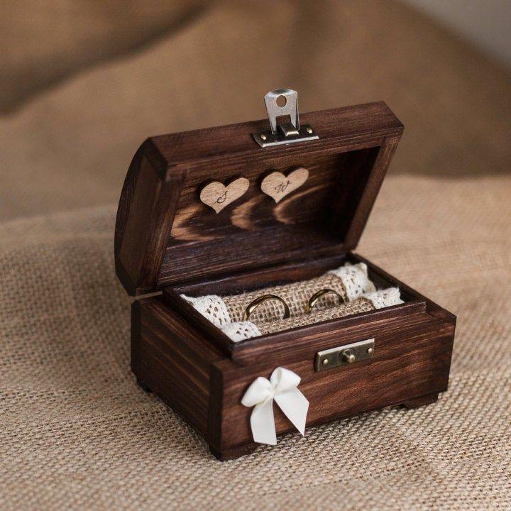Photo of Scatola per fedi nuziali personalizzata. Scatola ad anello. Porta anelli rustico. Portatore dell'anello. Scatola delicata e romantica.