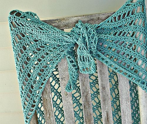 Lydia Shawl: Free Ravelry Pattern - I just finshed one and another ...