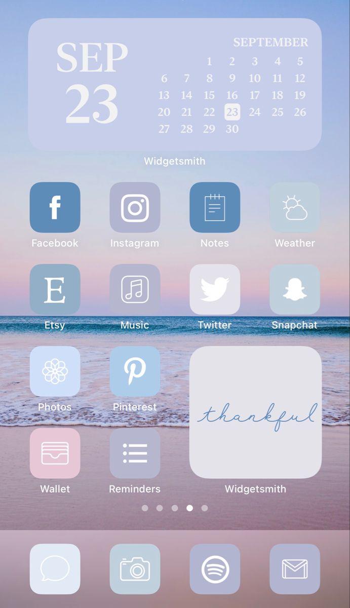 Aesthetic iOS 14 iPhone Home Screen Layout Inspira