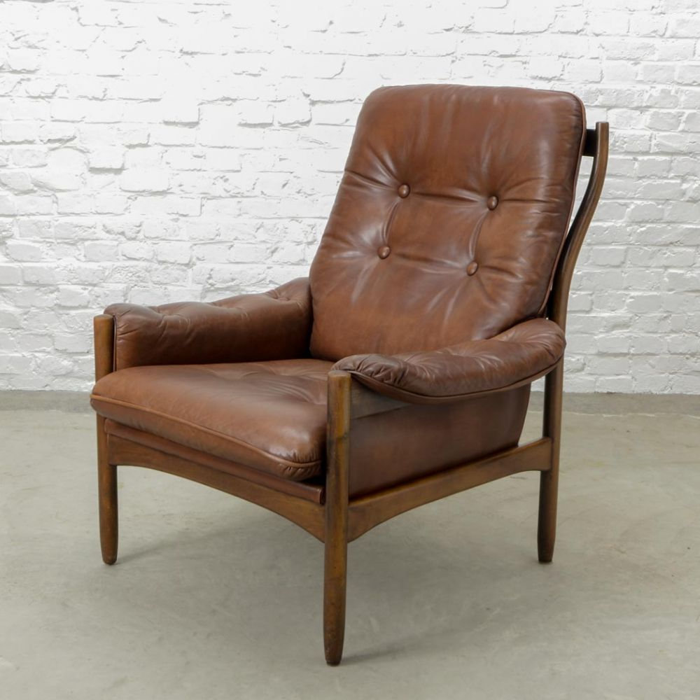 For Sale Scandinavian Design Chestnut Leather Lounge Chair By G Mobel Sweden 1960s Leather Lounge Chair Chair Front Room