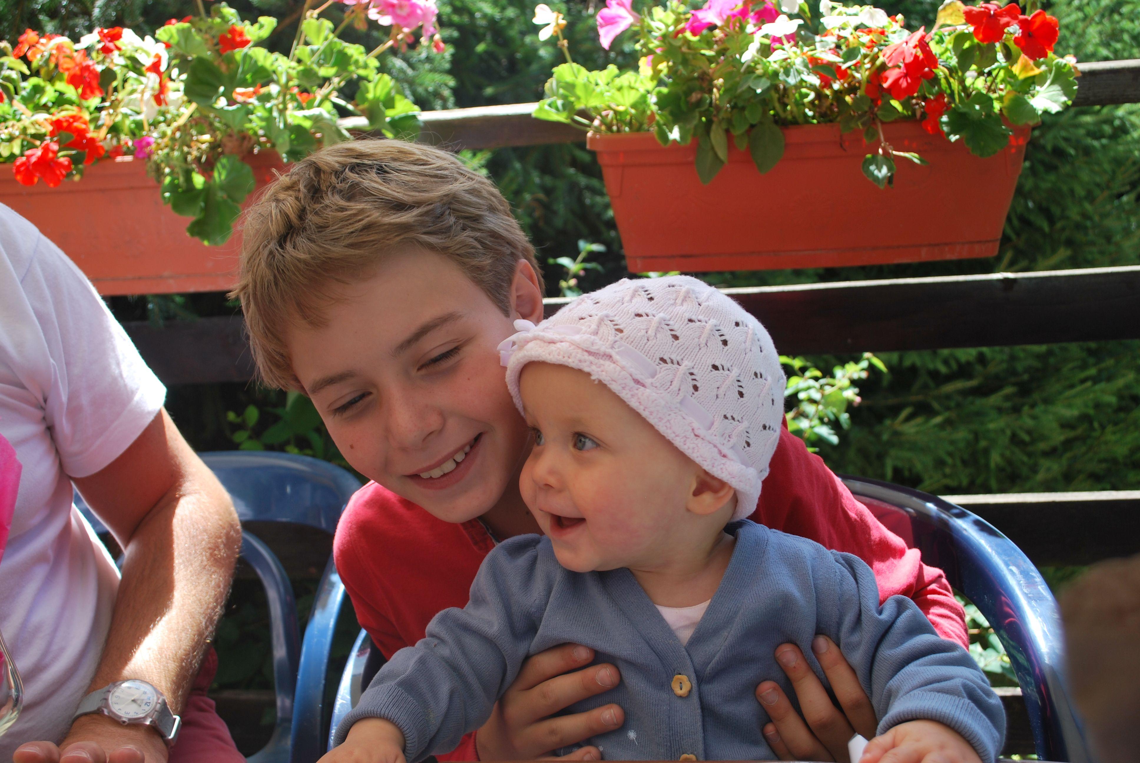 Igor's kids : Borya & Taisia ( 2011 )