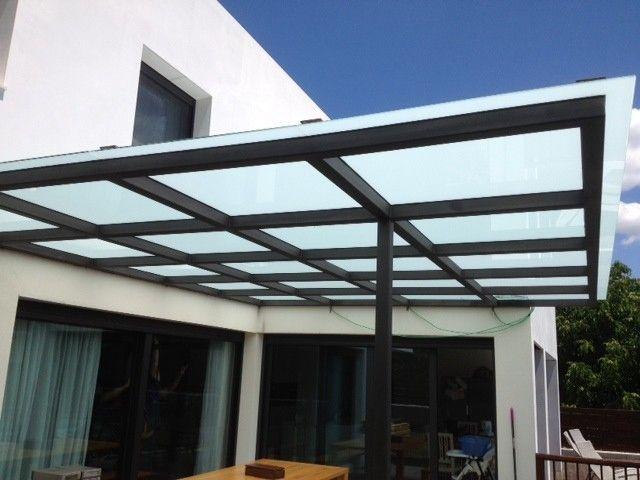 Marquesinas cerramientos y techos de cristal en madrid for Techos de metal para terrazas