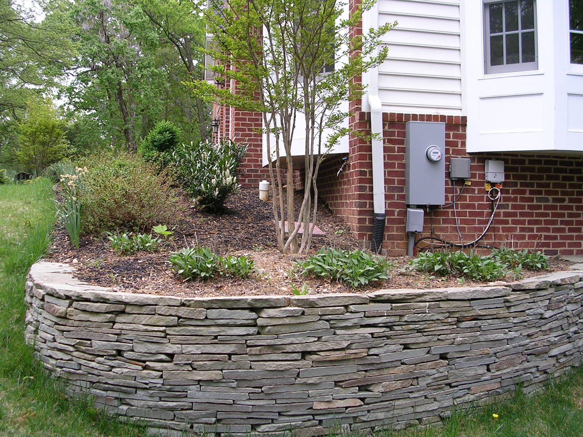 Image detail for Retaining Wall with Landscaping Timbers