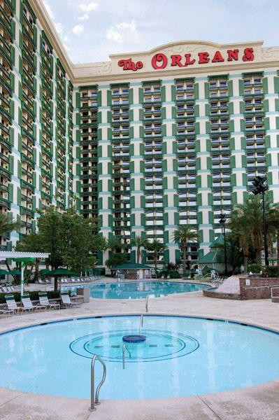 Hotel Resort Swimming Pool In Las Vegas The Orleans Vegas Pools Las Vegas Resorts Resort Pools