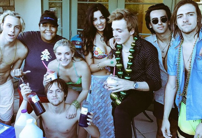 Riker Lynch And Lauren Hudson See Pics From R...