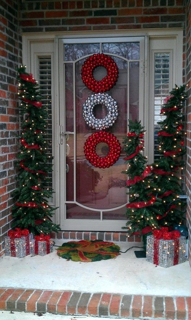 we are here to provide you ideas about christmas porch decorationso without further ado here are our 25 amazing christmas front porch decorating ideas - Christmas Front Porch Decorations Pinterest