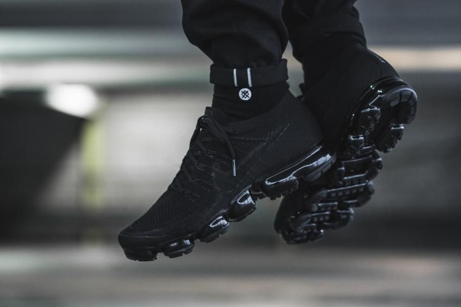 outlet store 2d307 6fdce Nike - Air VaporMax Flyknit Triple Black 2.0 - 849558-011 ...