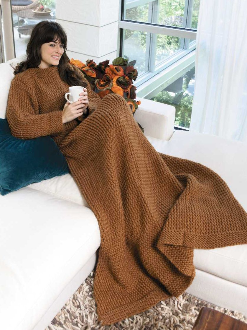 An Afghan with Sleeves from Kathy Norris\' Big Book of Loom Knitting ...