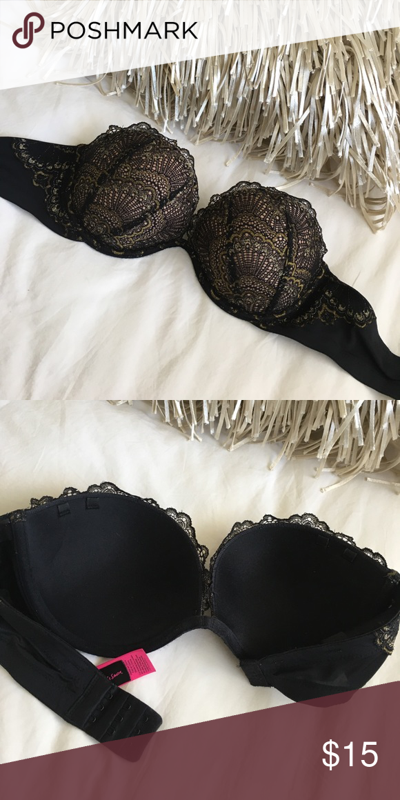 20e470fa5f La Senza Lace Strapless Multi-way Push-up Bra 32C Beyond Sexy with gold sparkle  lace! Get push-up cleavage no matter what style of top you are wearing.