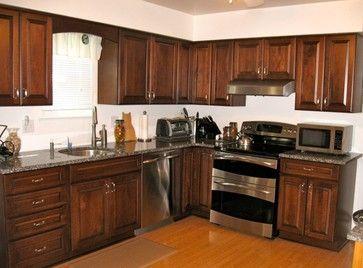 Schuler Princeton Maple - traditional - kitchen - bridgeport - Sarah Cohen (Caledonia)