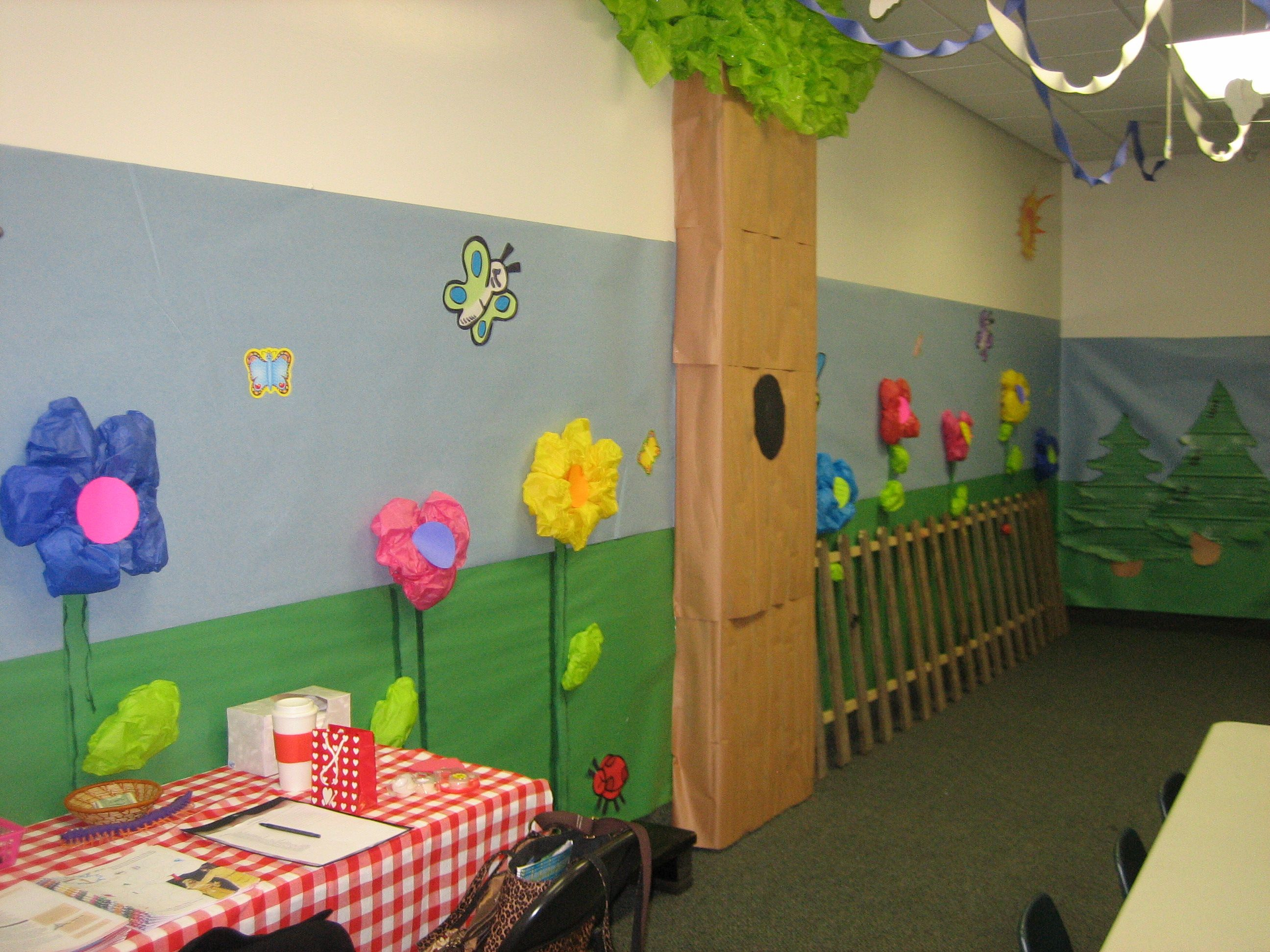 Sunday school room ideas decorating the sunday school for Activity room decoration