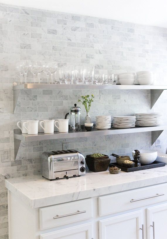 white modern kitchen // marble coutertops and backsplash // Ohara ...