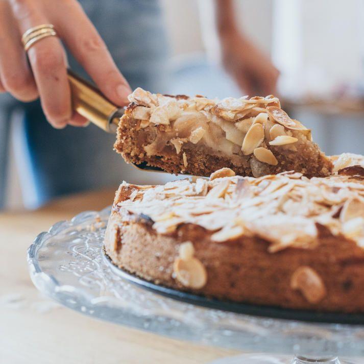 Photo of Saftiger Apfel-Marzipan Kuchen