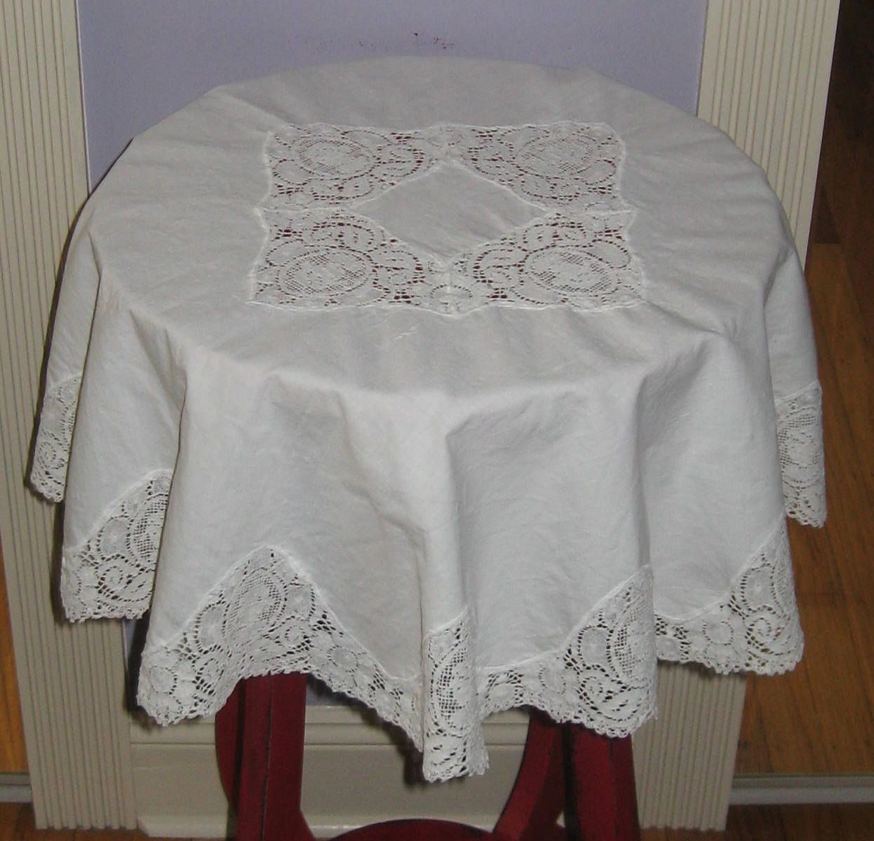 Small Round Tablecloth . Linen Lace Tablecloth . Victorian Linen . Lace  Topper . Irish Lace