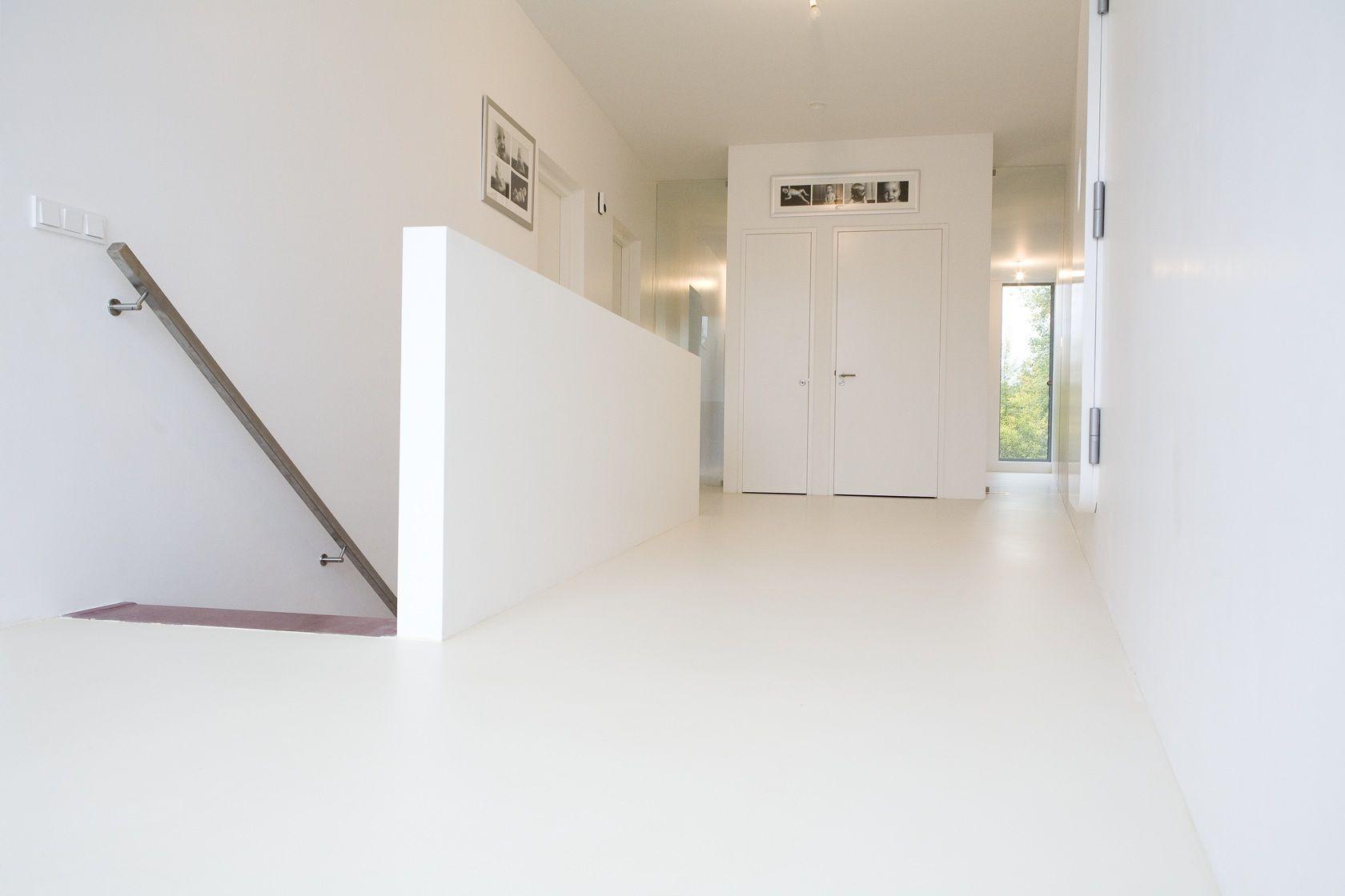 Foto 39 s gietvloeren favorites for the home for Binnenhuis trappen