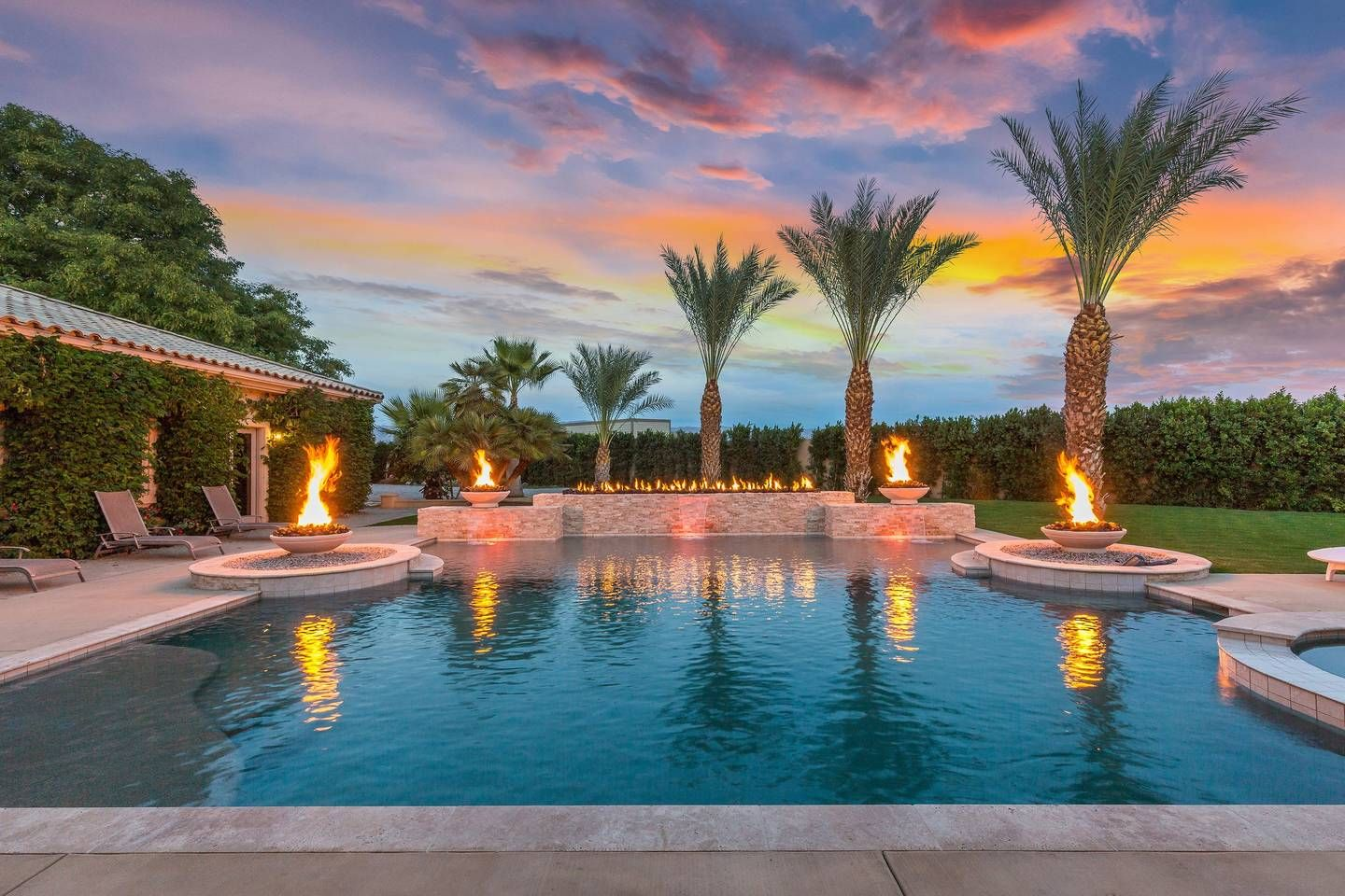 The Date Palm Estate A Palm Vacation Rentals Property