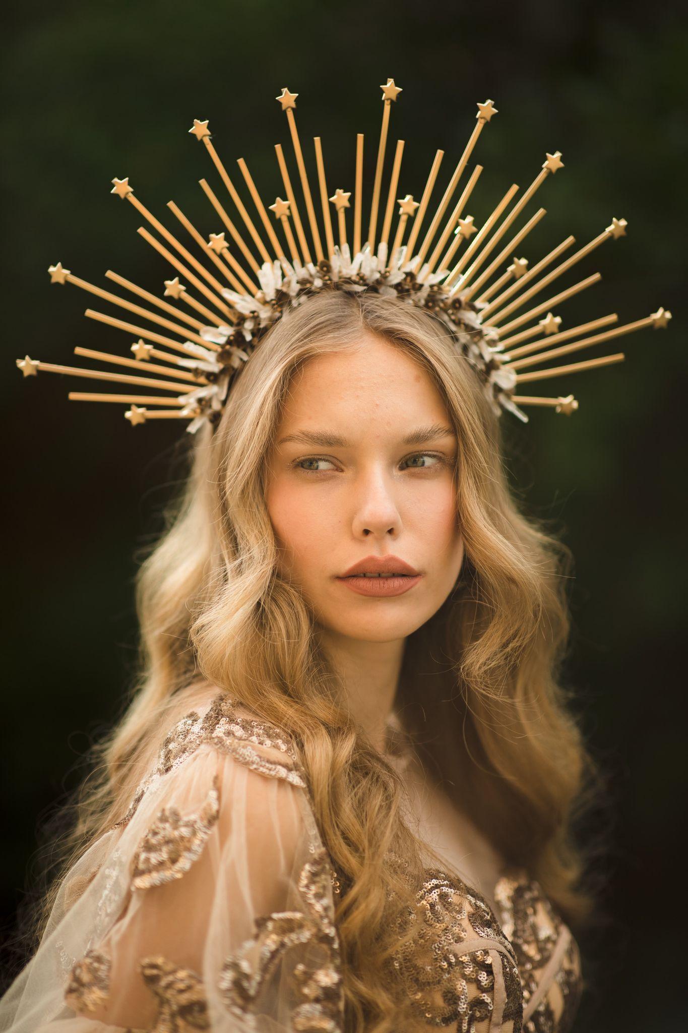 Gold Crystal Halo Crown Fashion Headband Goddess headdress Halo Crown Star Crystal Rhinestone Gold Halo Spiked Headpiece  Sunburst Crown