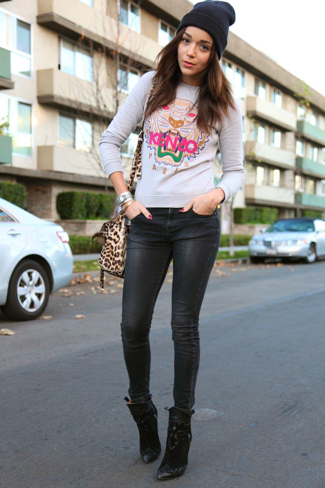 03d08b092 Tiger Sweatshirt: Kenzo (alternative here). Jeans: TopShop. Boots: Zara.  Bag: Mulberry (get the look here). Cuff: Courtesy of Sophie Blake.