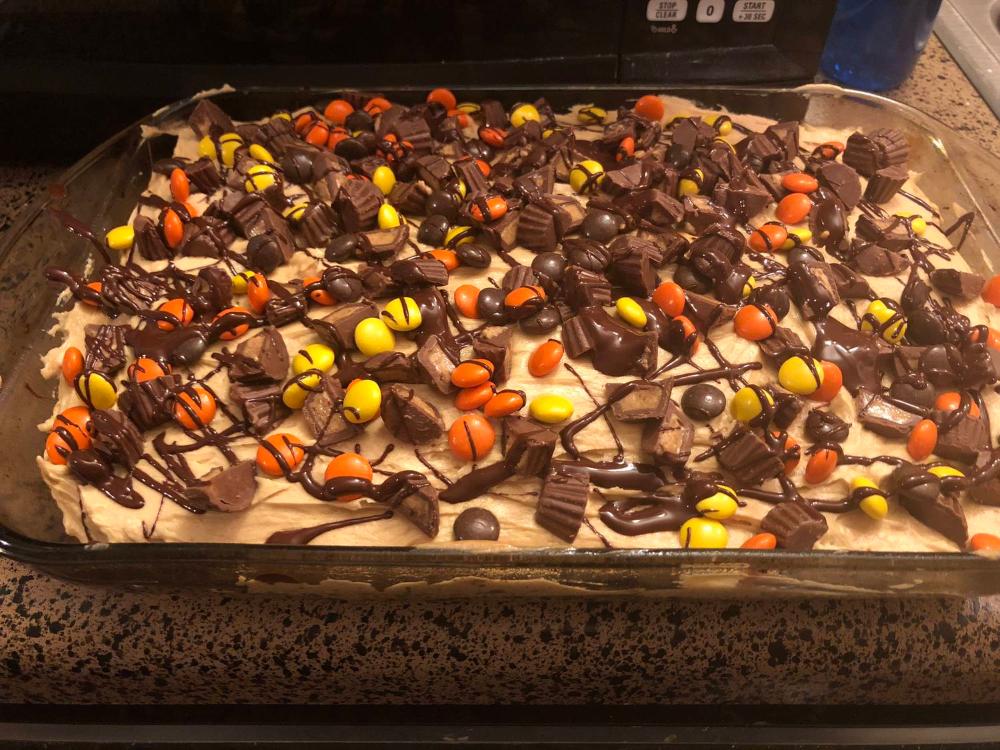 Best Chocolate Peanut Butter Poke Cake Recipe - How to Make Peanut Butter Poke Cake #chocolatepeanutbutterpokecake Best Chocolate Peanut Butter Poke Cake Recipe - How to Make Peanut Butter Poke Cake #chocolatepeanutbutterpokecake