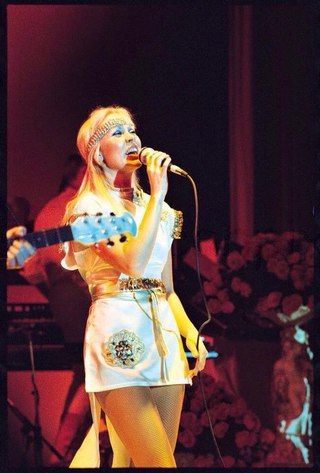 1977,Agnetha on stage | Agnetha | Pinterest | Music, Stage ...