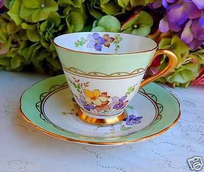 Vintage-Tuscan-Bone-China-Porcelain-Cup-Saucer-Violets-Lavender-Gold