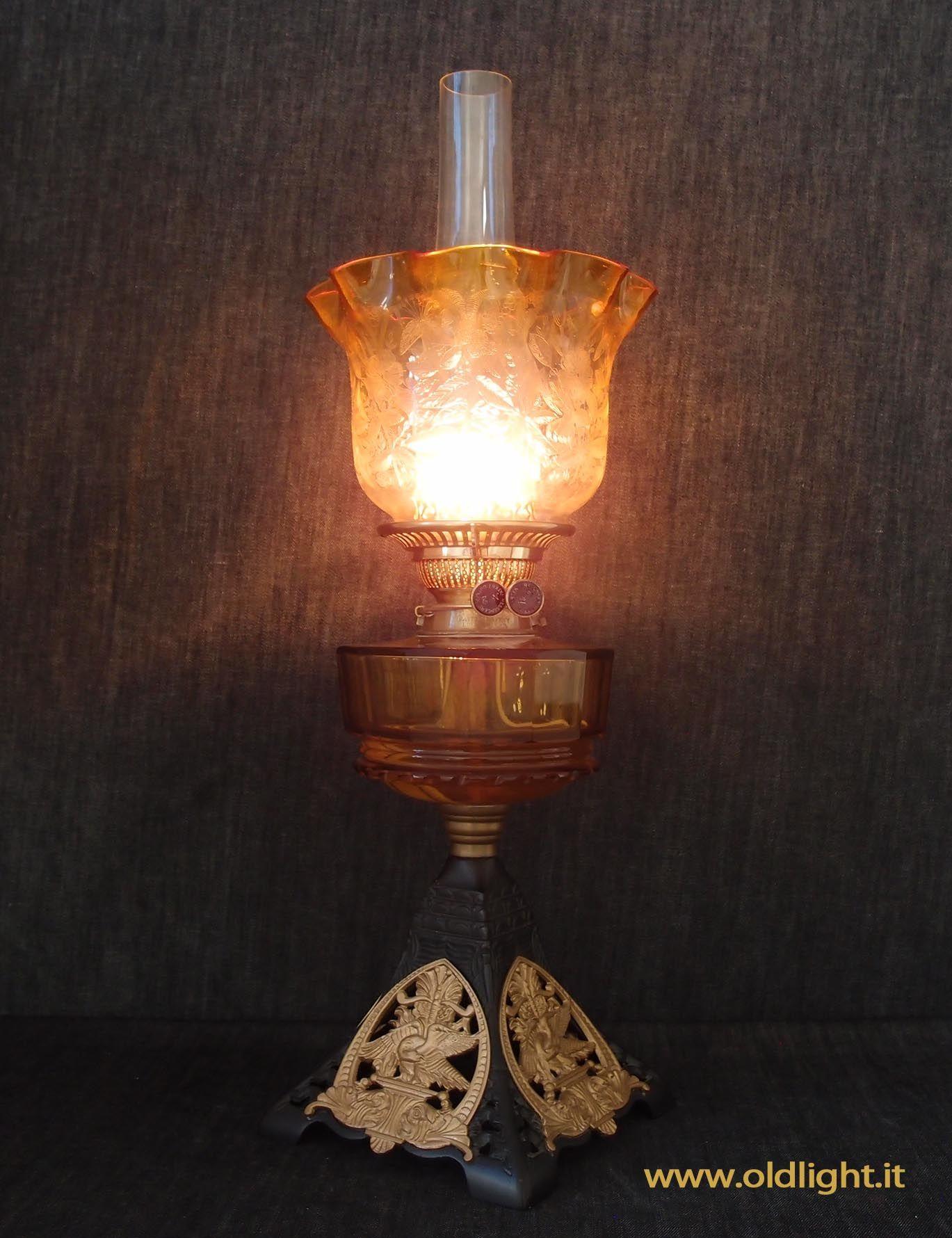 Lampada Da Tavolo Inglese In Perfetto Stile Vittoriano Base In Fusione Di Ghisa Con Fregi Amovibili Brev N 228862 Rariss Lamp Oil Lamps Lamp Light