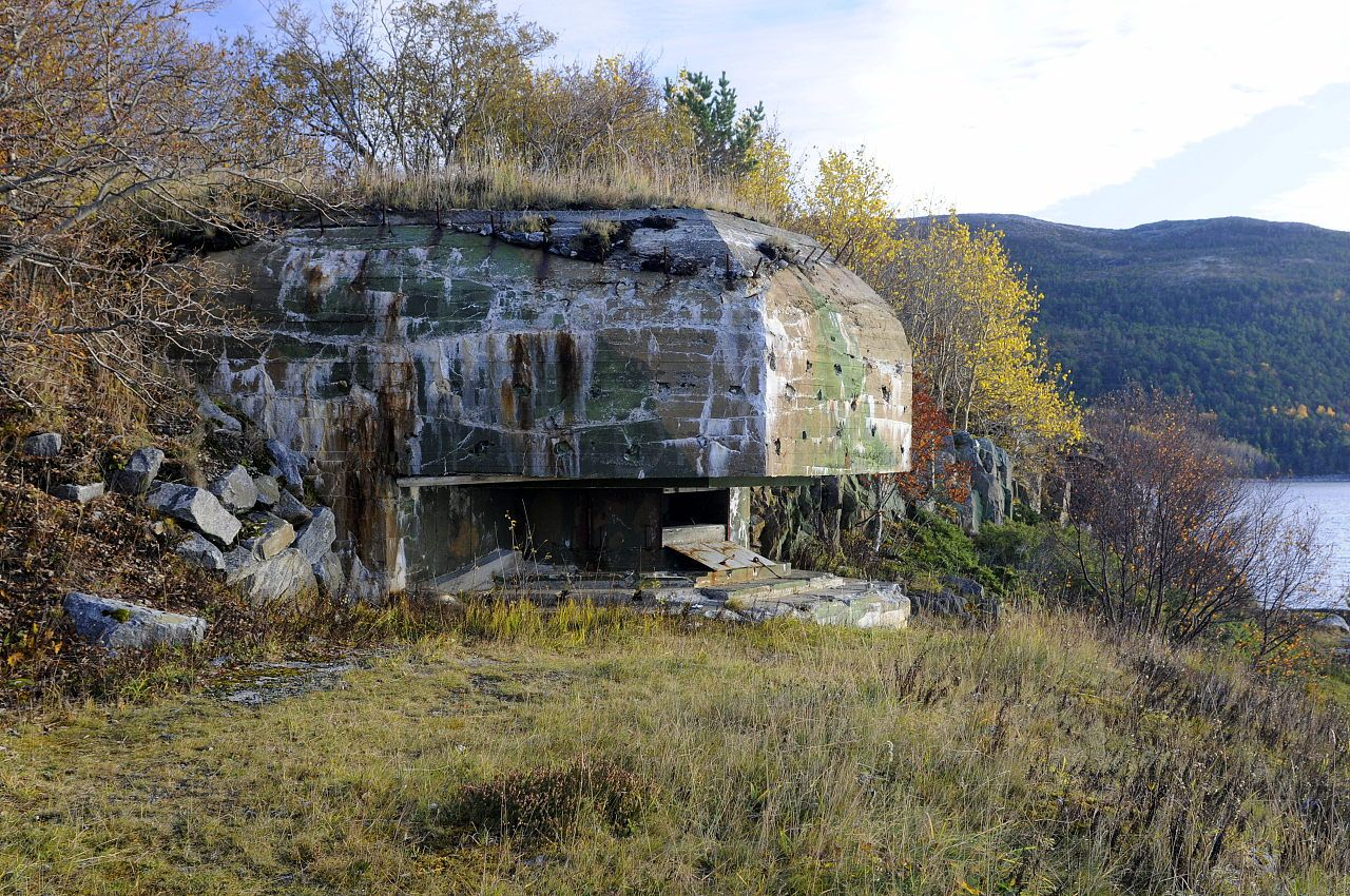 Rissa, Norway | command_post_outside3.jpg