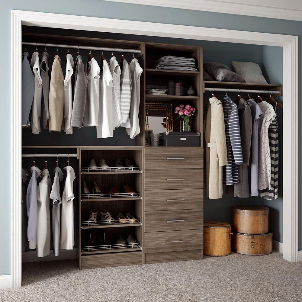 Center console and a half Narrow closet design, Bedroom
